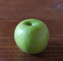 Польза употребления яблок для женщины